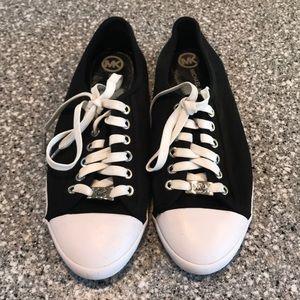EUC Michael Kors Sneaks Size 9**